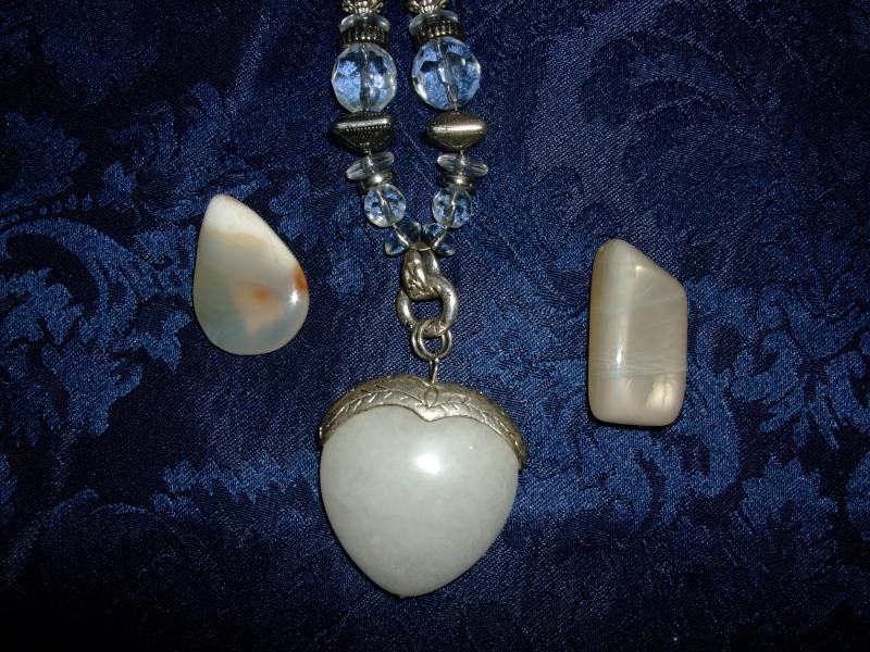 Quelles pierres possèdez-vous ? Dscf4618