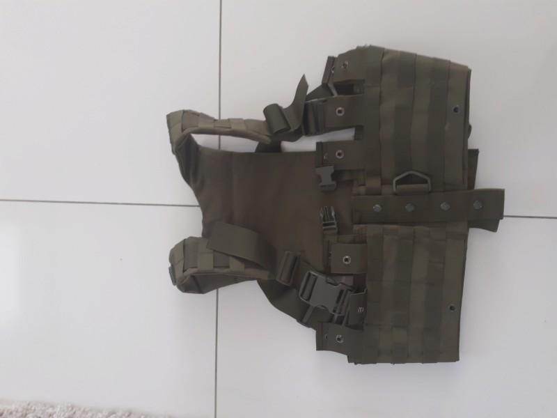 Gilet OD impeccable emport de 6 chargeurs type AK 15 20190819