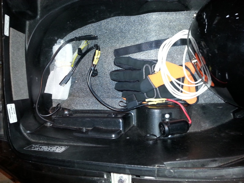 Electric plug under seat Q Scoot_10