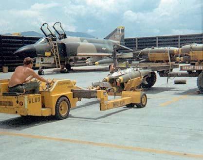 Le F4 C en camo guerre du Vietnam... - Page 10 Crb-ke10