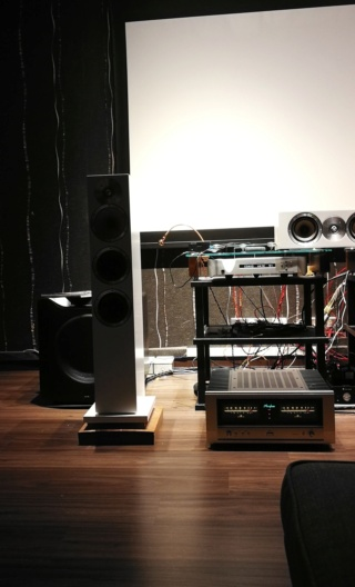 Accuphase - accurate phase Img_2036