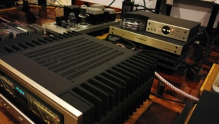 Accuphase - accurate phase Img_2043