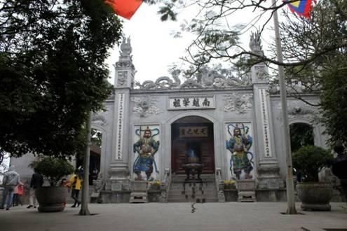 Giải nghĩa một số địa danh trong cổ sử Việt qua phép phiên thiết Hán Nôm Image017