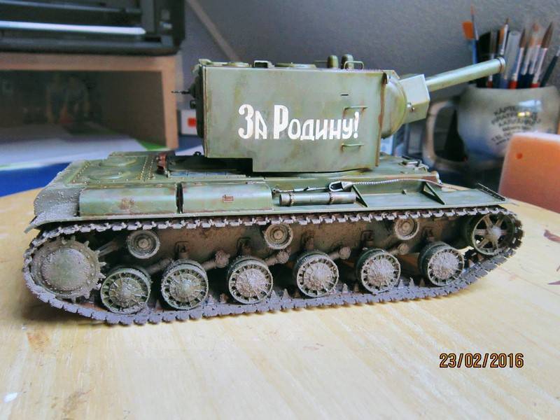 Russian Heavy Tank KV-2  [1/35° de ZVEZDA] Img_4110