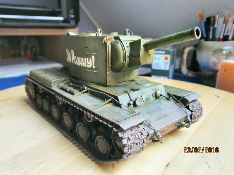 Russian Heavy Tank KV-2  [1/35° de ZVEZDA] Img_4111