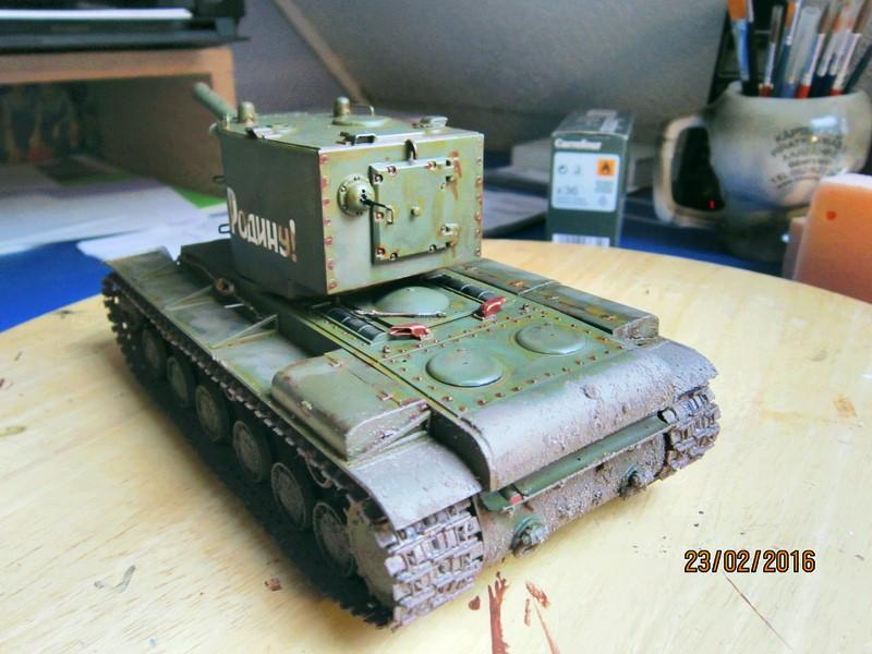 Russian Heavy Tank KV-2  [1/35° de ZVEZDA] Img_4113