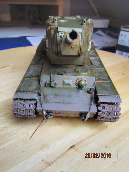 Russian Heavy Tank KV-2  [1/35° de ZVEZDA] Img_4115