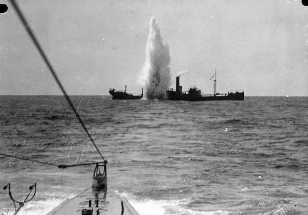 Diorama du torpillage du RMS Lusitania 1/350 Gunze Sangyo - Page 2 W_2410