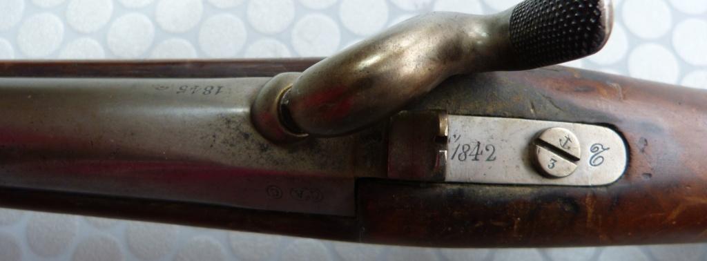 Fusil 1842T de dragons, affecté Spahis, poinçons de marine... tout un programme !!! P1050411