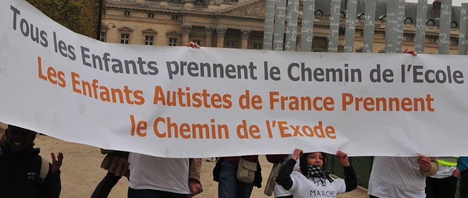 Une des centaines de manifestation de parents d'enfants autistes, France, 2015