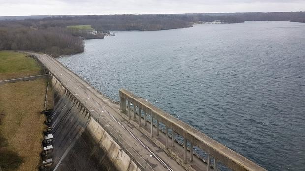 Exceptionnel: les Lacs de l'Eau d'Heure débordent! 5c852711