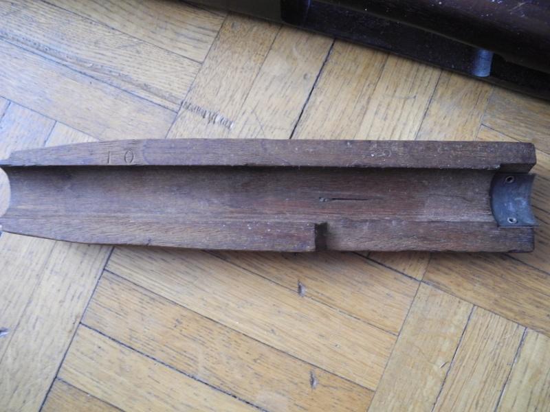 2 bois USM1 à identifier et besoin de conseils Dscn8673