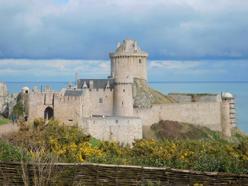 Bon baiser du Fort La Latte Dscn0410