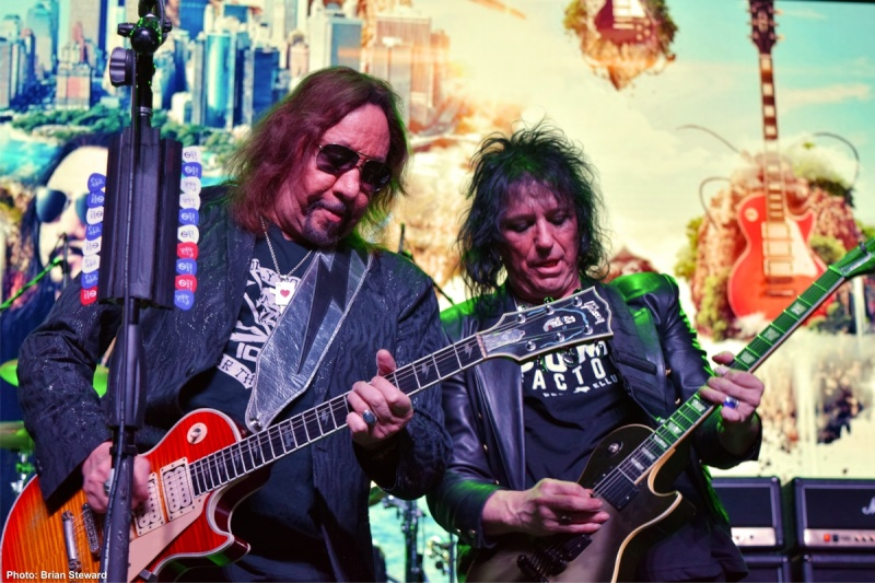 Ace Frehley News ! - Page 20 2610