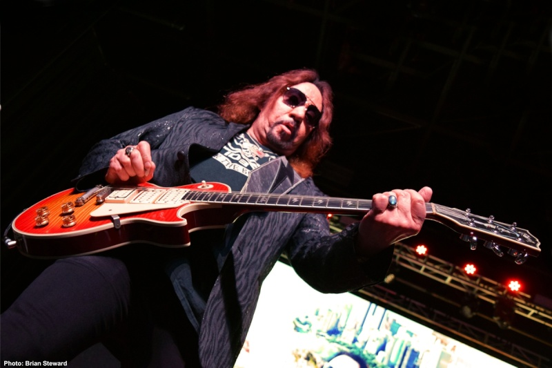 Ace Frehley News ! - Page 20 3310