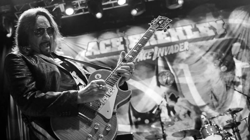 Ace Frehley News ! - Page 22 54555710