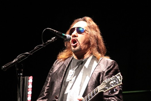 Ace Frehley News ! - Page 21 81cee310