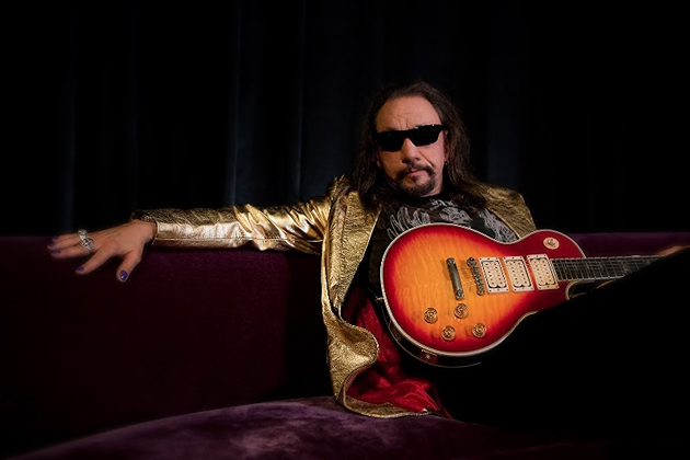 Ace Frehley News ! - Page 22 Ace-fr13