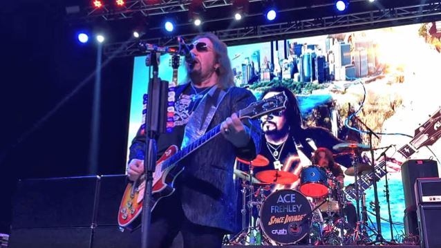 Ace Frehley News ! - Page 20 Acefre13