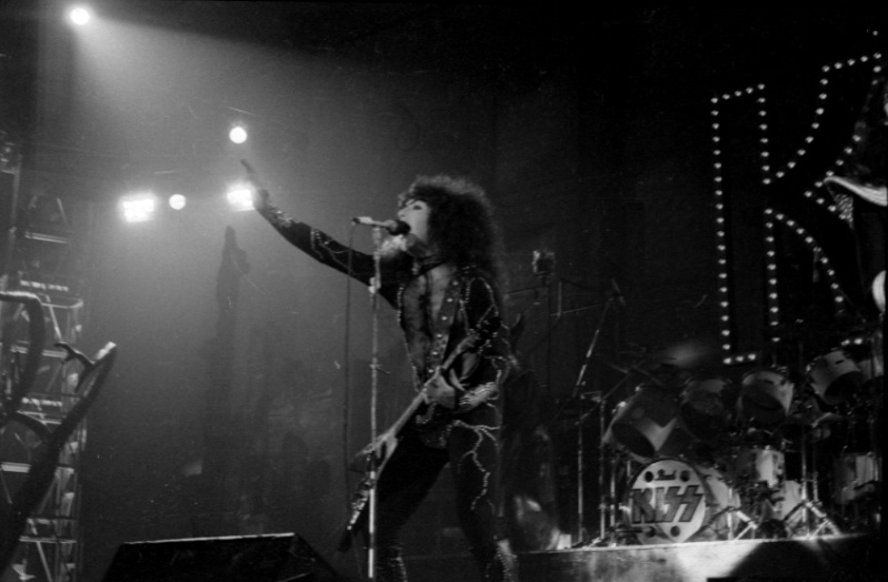 1976 Destroyer Tour. - Page 2 Kiss_p12