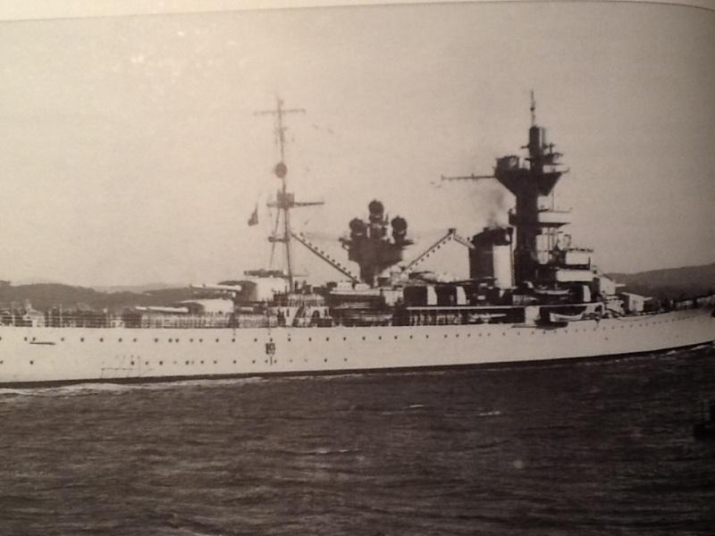 [1/400ème] Croiseur de 10 000t classe ALGERIE. Croise10