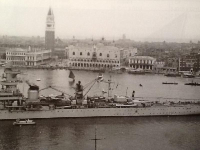 [1/400ème] Croiseur de 10 000t classe ALGERIE. Croise11