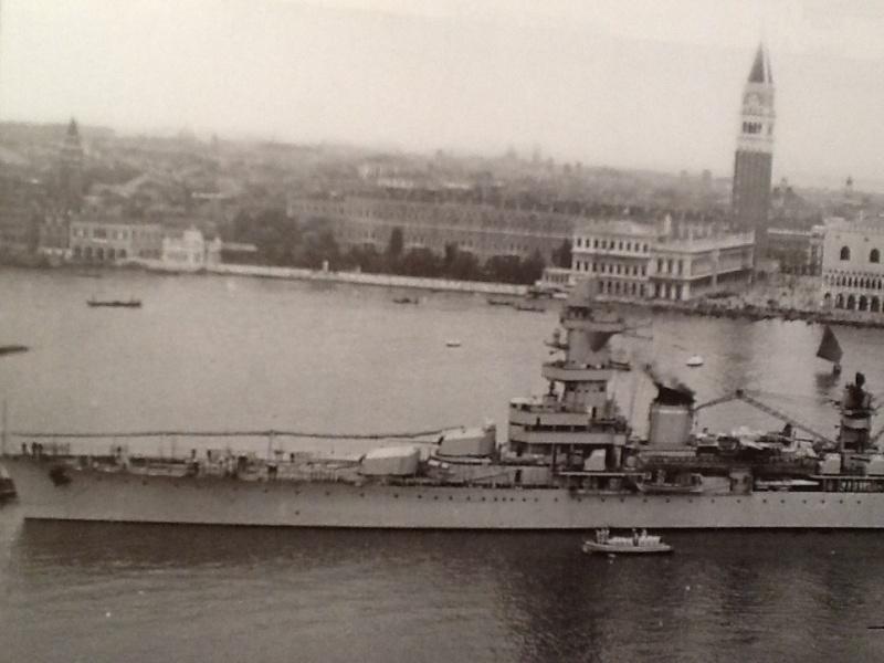 [1/400ème] Croiseur de 10 000t classe ALGERIE. Croise12