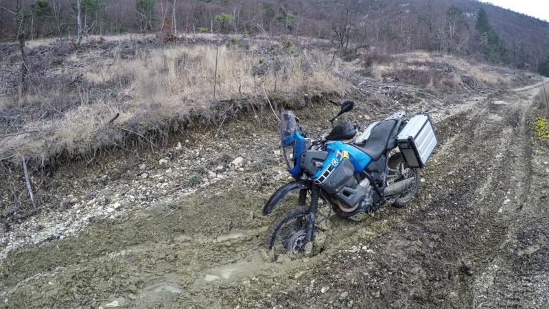 CONSEIL : Ne jamais partir seul en reco avec un gros trail... 410