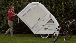 Partir en vacances à vélo… et emmener sa caravane ! 80757110