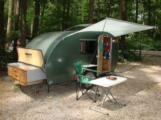 Full Time Living In A Teardrop Trailer - With DIY Tips (Trucs de dépannage en camping) Teardr11