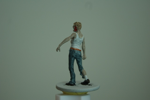 TUTO: peindre un zombie de base de ZOMBICIDE . Dsc03226