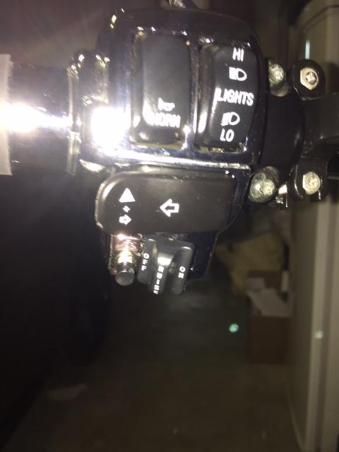 montage interrupteur appel de phare RK Img_2516