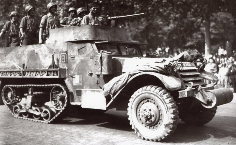 lot photos liberation paris datée 26 aout  et 29 sept 1944 Iiirmt10