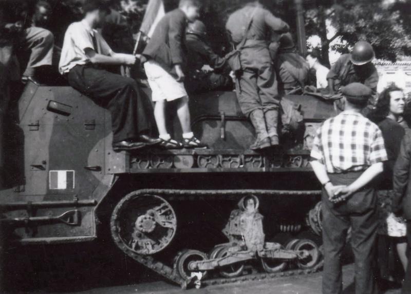 lot photos liberation paris datée 26 aout  et 29 sept 1944 Iirmt_10
