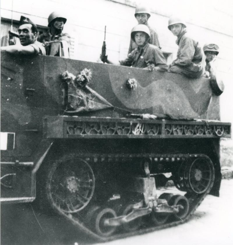 lot photos liberation paris datée 26 aout  et 29 sept 1944 Iirmt_11