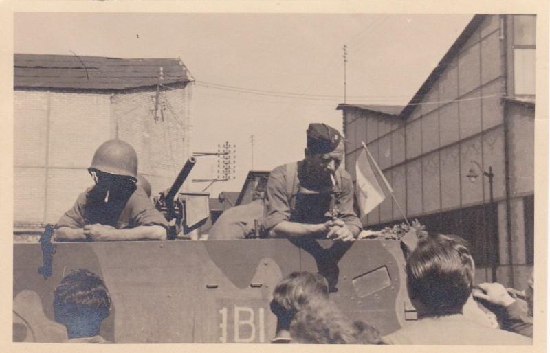 lot photos liberation paris datée 26 aout  et 29 sept 1944 Img10