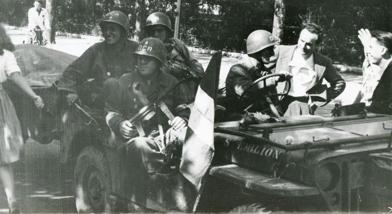 "Jeep ""RAWA-RUSKA"" / Sous-Lieutenant Alexandre RETGEN Jeep_d10"