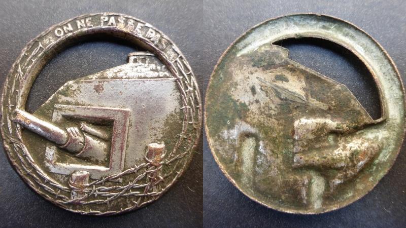 Insigne de la Ligne Maginot 2e WW. Deskto11