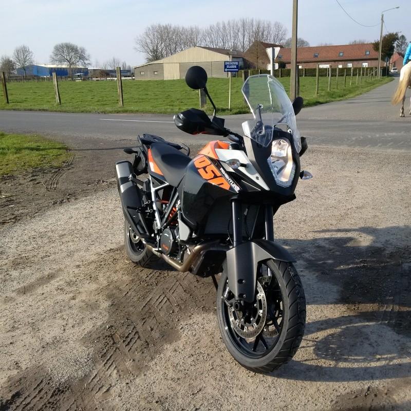 Quand Ratus teste des motos - Page 2 Img_2016