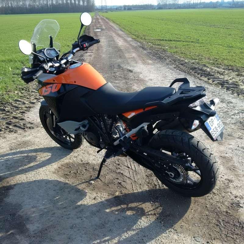 Quand Ratus teste des motos - Page 2 Img_2018