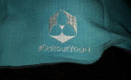"#DoYourYoga - Yogahandtuch mit Silikon-Dots ""Chandra"" Logoau10"