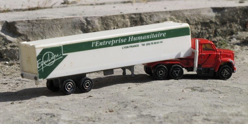 """l'entreprise humanitaire """"EQUILIBRE"""" Img_2912"""