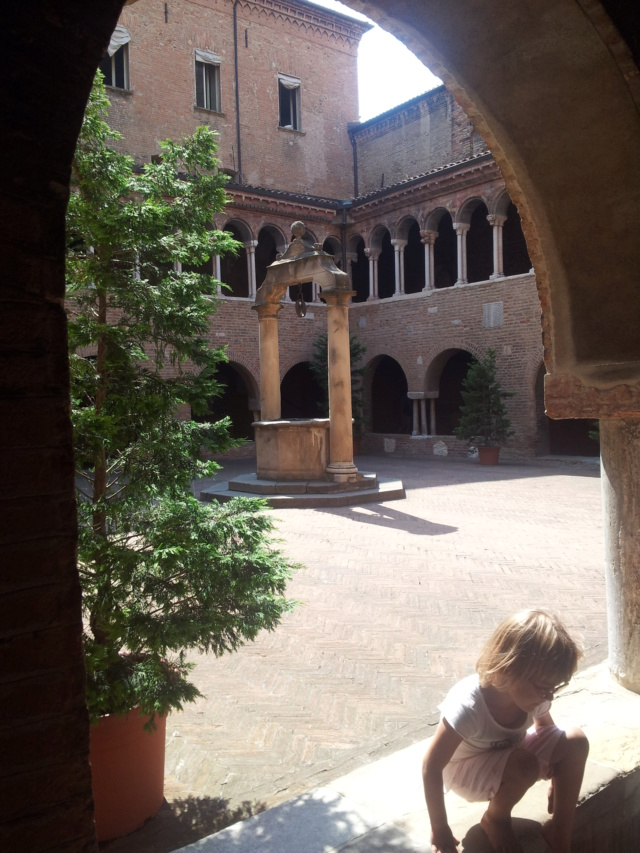 22 Agosto - Alla scoperta della città di Bologna 7_chie11
