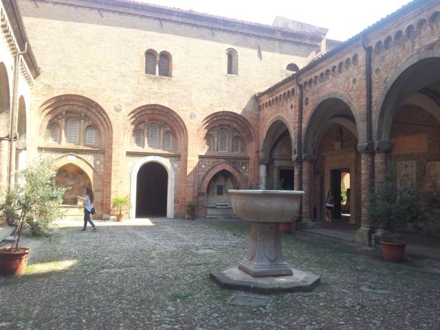 22 Agosto - Alla scoperta della città di Bologna Chiost10