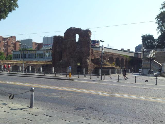 22 Agosto - Alla scoperta della città di Bologna Mura10