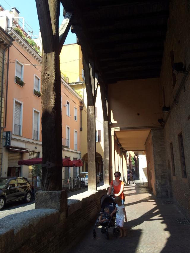 22 Agosto - Alla scoperta della città di Bologna Portic11