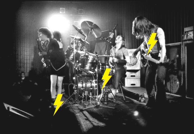 1976 / 05 / 24 - UK, London, The Nashville 111