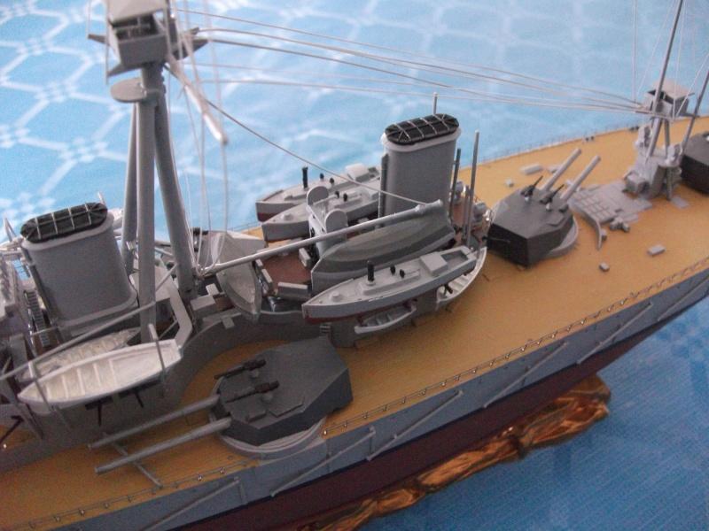 HMS DREADNOUGHT 1/350 zvevda Dscf1512