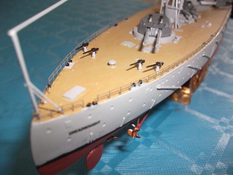 HMS DREADNOUGHT 1/350 zvevda Dscf1518