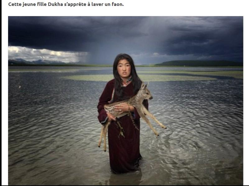 Un photographe a pris d'incroyables clichés d'une tribu mongole au mode de vie unique  Sans_276